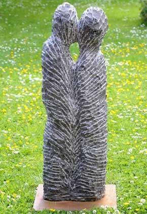 Le baiser Soignies (pierre de Tournai)